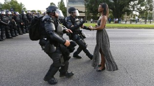 160712170804-baton-rouge-peaceful-protest-restricted-super-169